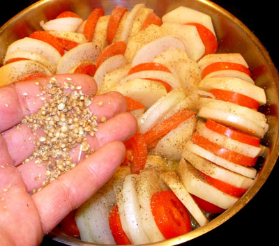 Картофель, запеченный с помидорами и яйцами