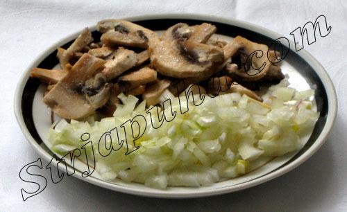Печень куриная по-индонезийски с грибами