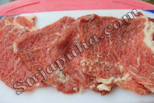 Мясные клубочки из слоеного дрожжевого теста с грибами