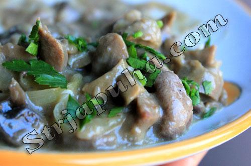Почки жареные с грибами по-русски