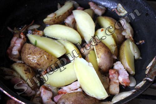 Картофель по-деревенски с луком