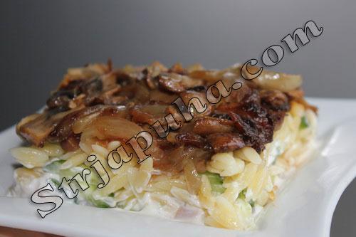 Салат мясной с куриным рулетом и грибами