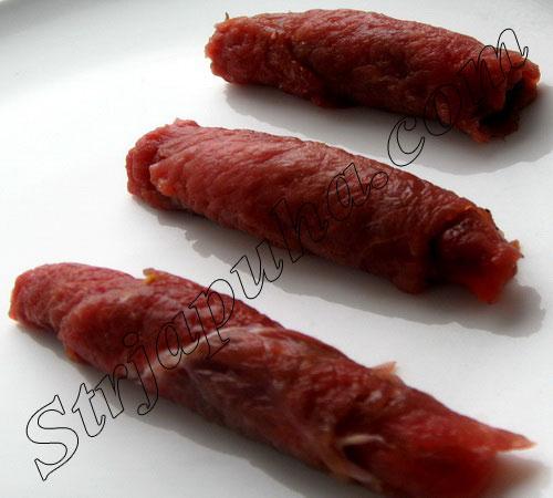 Свиные рулетики с черносливом