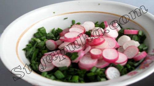Салат из редиса и зеленого лука