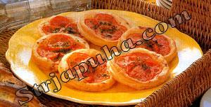 Тарталетки с помидорами и зеленью