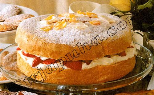 Клубнично-кремовый торт