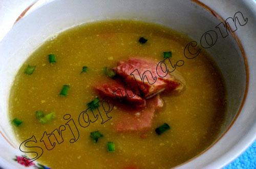 Гороховый суп с копченым беконом