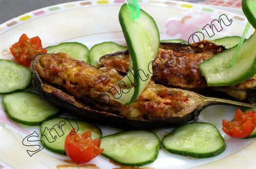 Баклажаны, фаршированные овощами «Лодочки»