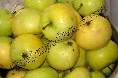 Яблочный сок с мякотью