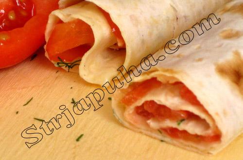 Рулетики «Остринки» с помидорами и чесноком)