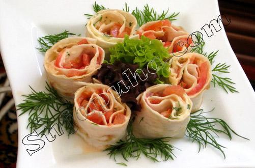 Рулетики «Остринки» с помидорами и чесноком