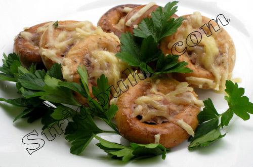 Сушки, фаршированные мясом и орехами