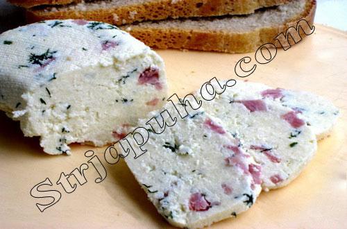 Домашний сыр с ветчиной и грецкими орехами