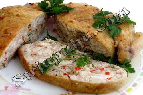 Курица, фаршированная рисом, грибами и сладким перцем