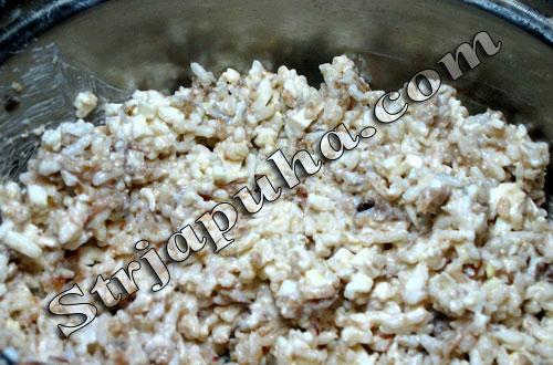 Карп, фаршированный рисом, грибами и яйцом