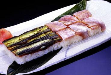 Осидзуси (оси суши, oshi sushi, 押し寿司)